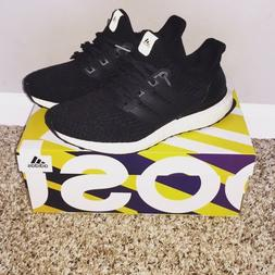 Boys Black ultra boost size 6
