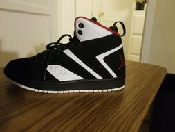 NIKE JORDAN FLIGHT LEGEND FOR BOYS SIZE 6Y