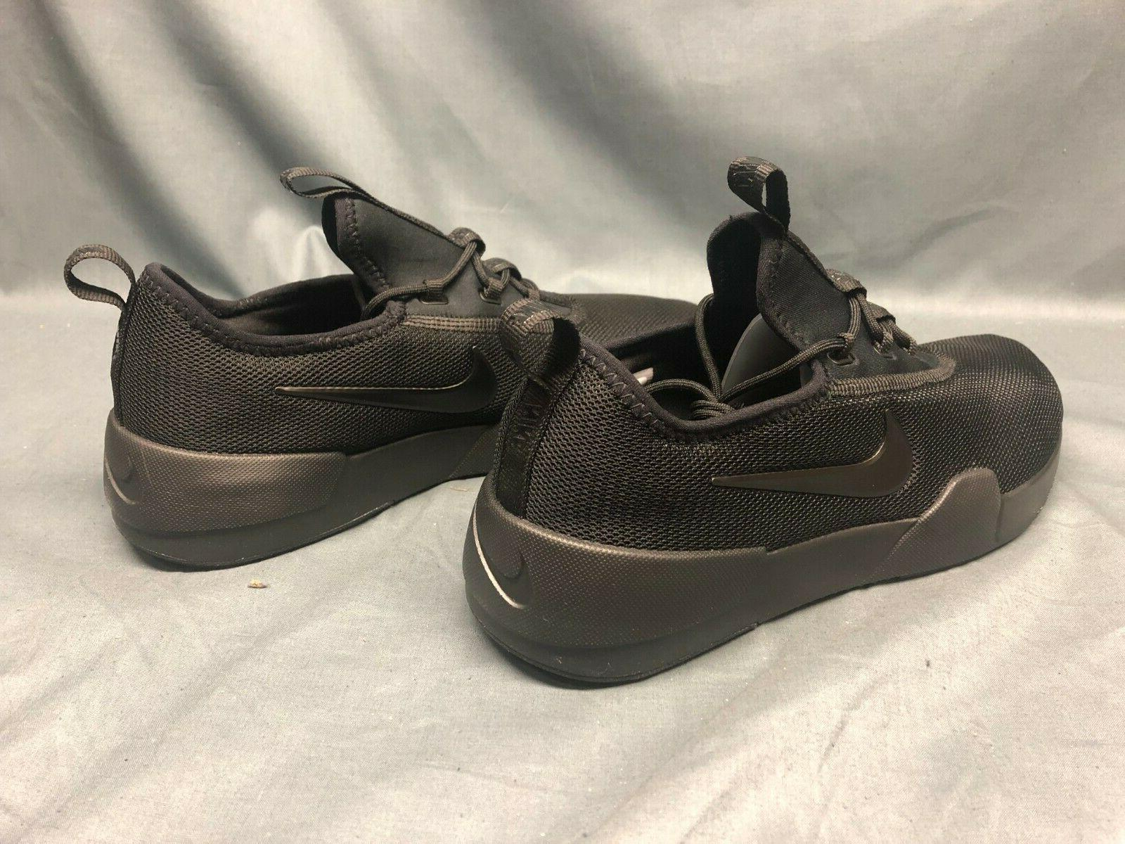 Nike Sneakers Black Boys Size 5