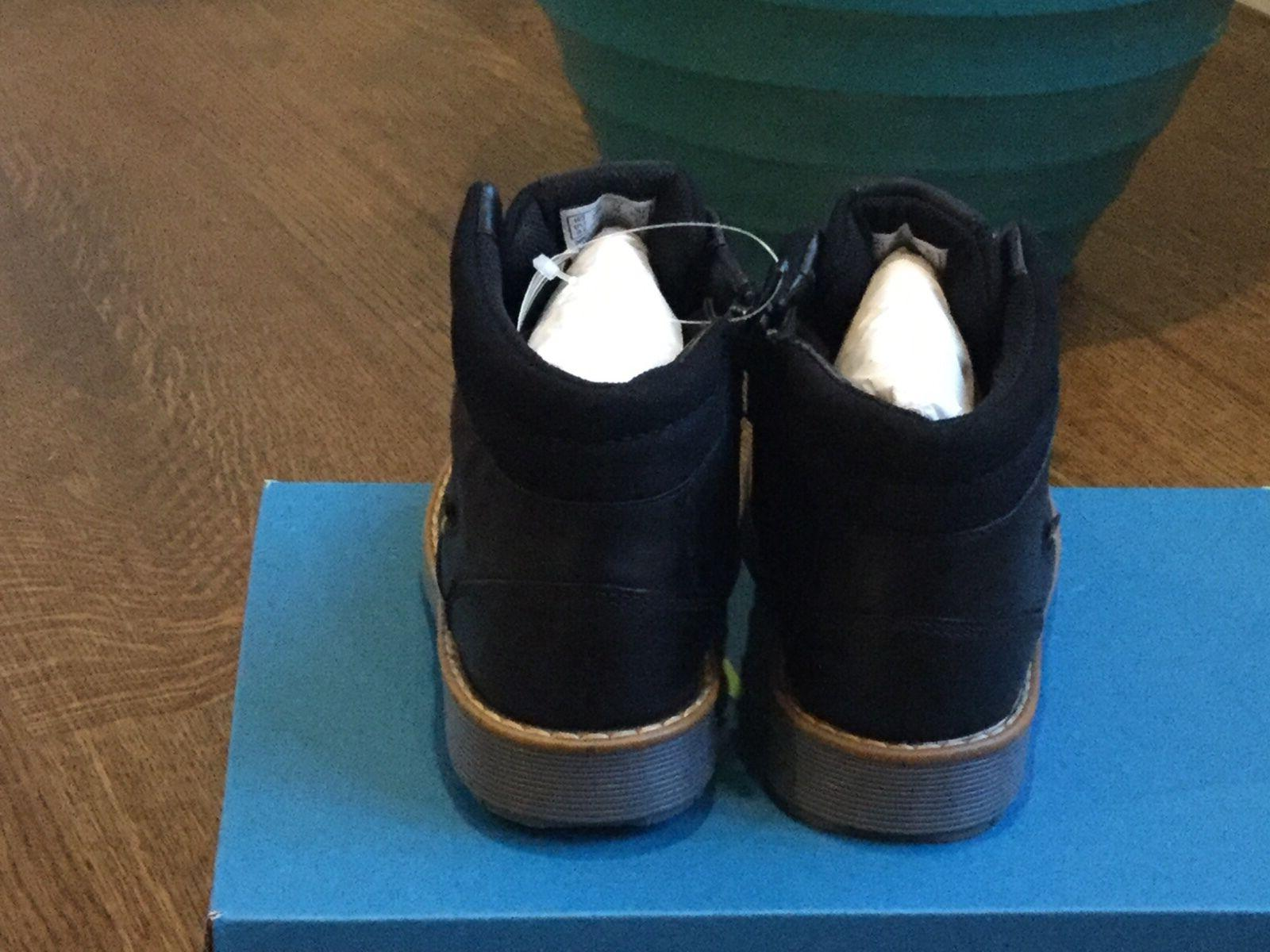 Nwt Clarks Boots Boys size