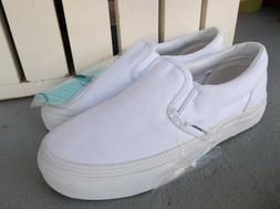 NWT VANS BOYS/KIDS CLASSIC SLIP ON SNEAKERS/SHOES SIZE 2.BRA