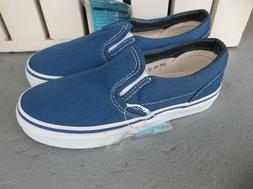 NWT VANS BOYS/YOUTH CLASSIC SLIP ON SNEAKERS/SHOES SIZE 13.B