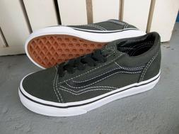 NWT VANS BOYS/YOUTH OLD SKOOL SNEAKERS/SHOES SIZE 13.DUFFLE